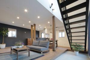 土間がリビングとお庭を繋ぐ アクティブに生活を愉しむ家
