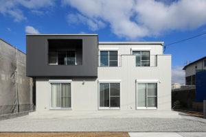コンクリート打ちっ放しデザインの スタイリッシュモダンの家